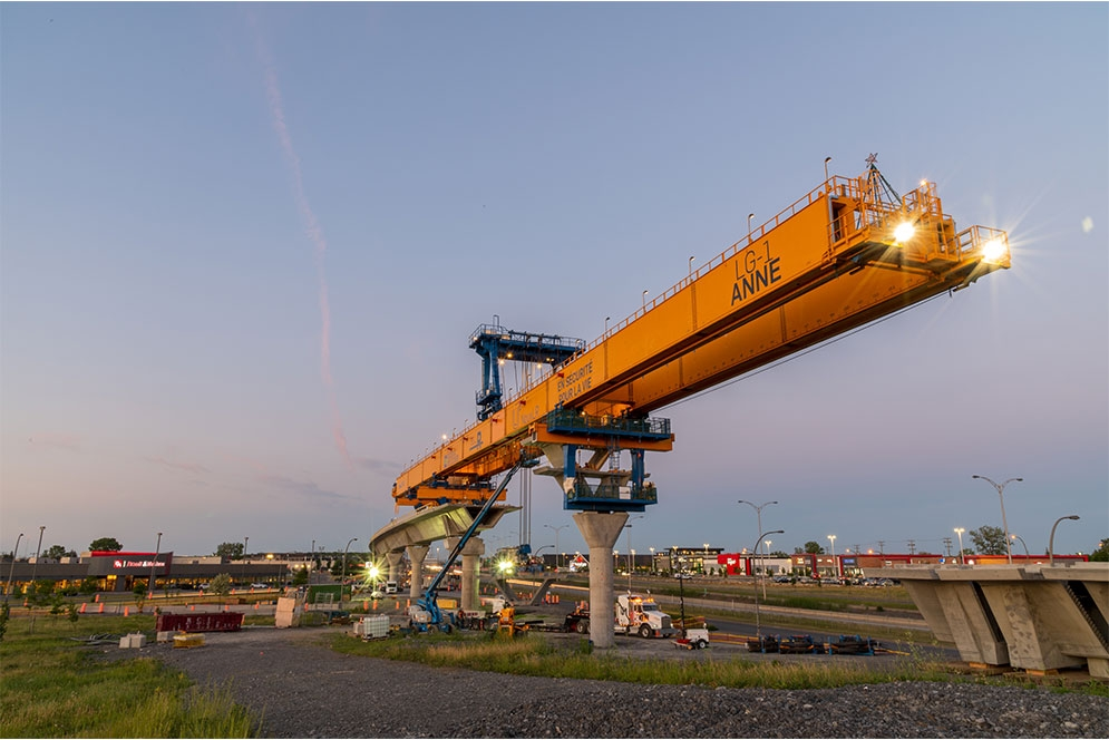 Launching beam Anne a few days before its crossing of Saint-Charles Boulevard in Kirkland - June 2020