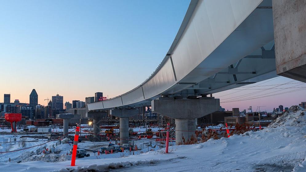 Installation des poutres courbées dans le secteur Pointe-Saint-Charles - Février 2021